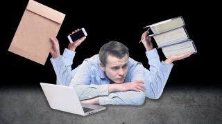 「就活中にバイトを両立する方法」を大手内定者に相談する就活生
